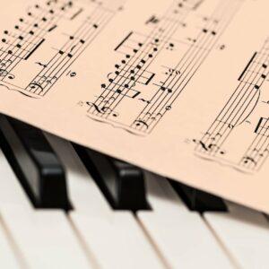 Piano Music Score Music Sheet  - stevepb / Pixabay